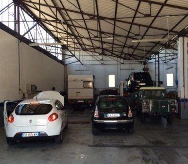 officina auto, controllo gas di scarico, sostituzione pastiglie freni