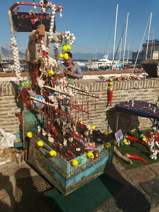 venditori ambulanti di cornetti napoletani
