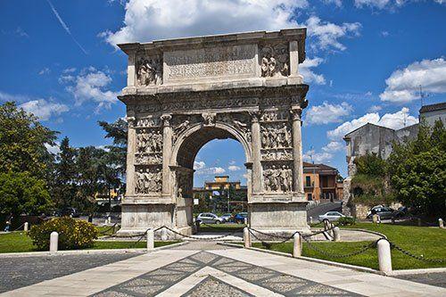 Arco di Traiano di Benevento a Piedimonte Matese