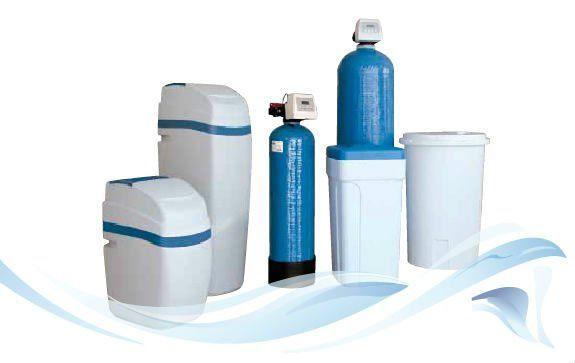 una serie di prodotti per la depurazione dell'acqua