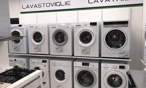 Angolo del negozio per  lavatrici