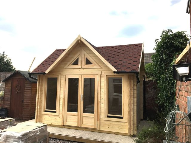 wales log cabin build day 2 rh timberbuildingspecialists co uk