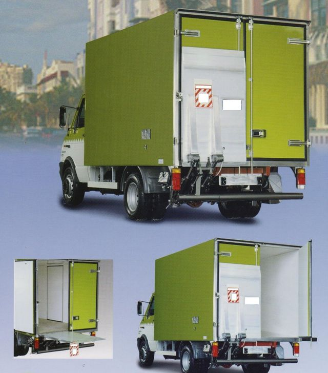 camion verde con sponde idrauliche
