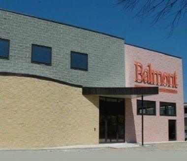 stabilimento di stampaggio plastica con insegna Balmont
