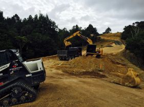 Earthmoving and excavating equipment in Auckland