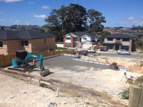 Earth moving contractor working in Auckland