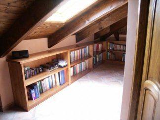 Libreria a giorno in pino massiccio, libreria a muro, libreria in legno