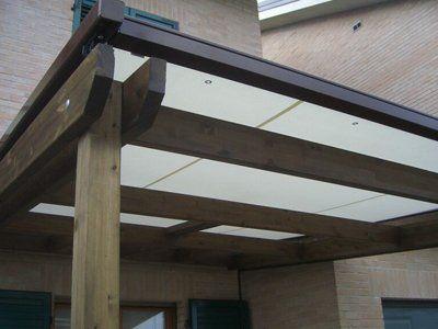 veranda di legno