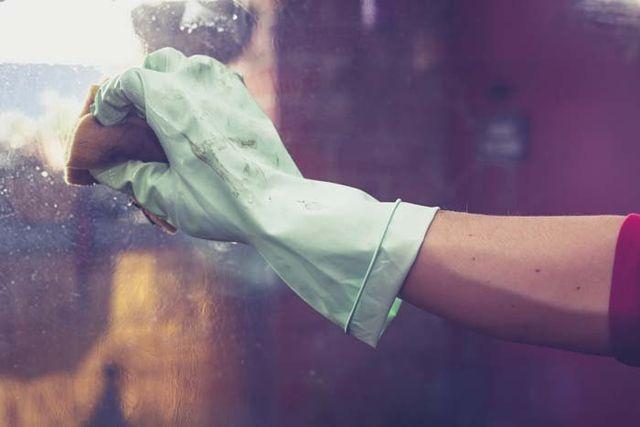 pulizia vetrate, pulizia superfici, pulizie professionali