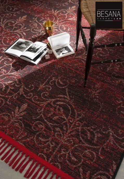 Tappeti di vario colore e design presso Tricoli di Della Pietra Gesuela