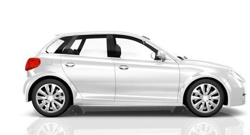 Auto di color bianco