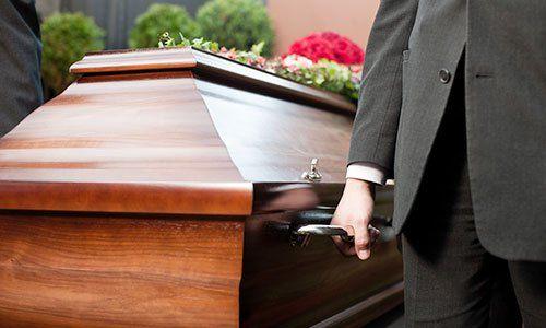 servizio di onoranze funebri con trasporto della salma