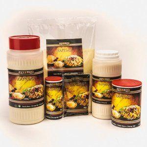 Dei confezioni di formaggio grattugiato della marca Rapesan