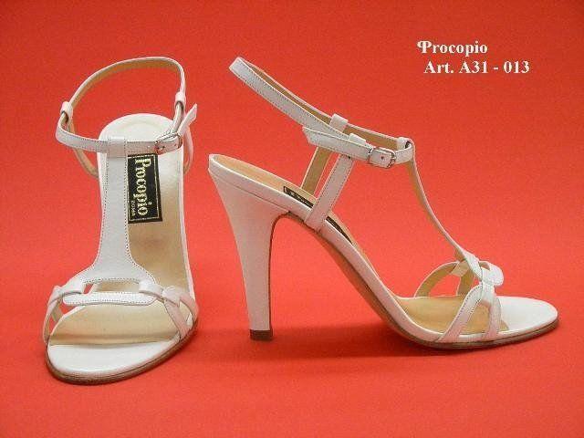 scarpa da sposa con il tacco
