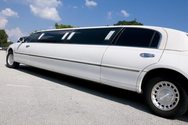 Avis Limo Service Orlando Fl Lincoln Town Car Limo