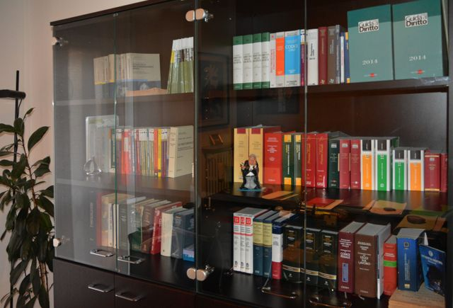 Libri allo Studio Legale Contardi a Voghera