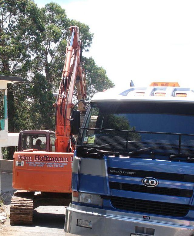 Excavators, earthmoving, excavation, cartage, residential earth works
