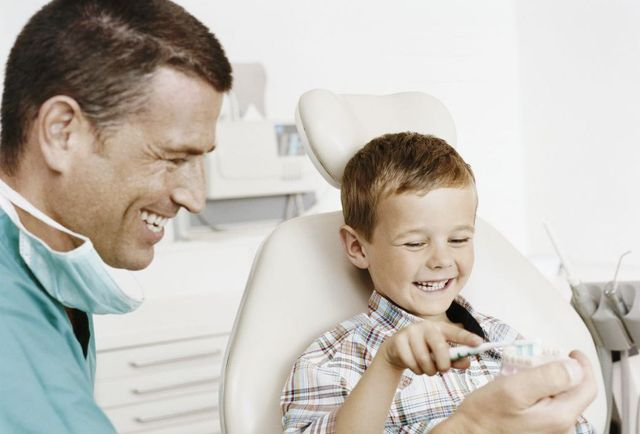 dentist with a kid in Tauranga
