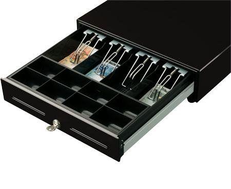 un cassetto aperto di un registratore di cassa con dentro delle banconote