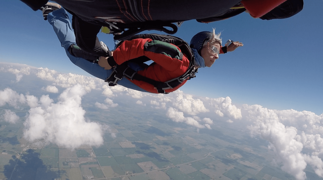 student skydiver