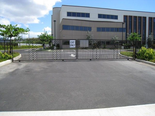 Automatic rolling gate access control