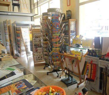 realizzaziuone tele su misura, acquerelli, prodotti per restauro