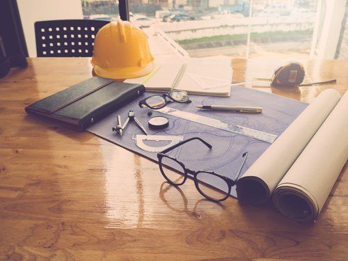 strumenti e fogli di lavoro per un progetto edilizio