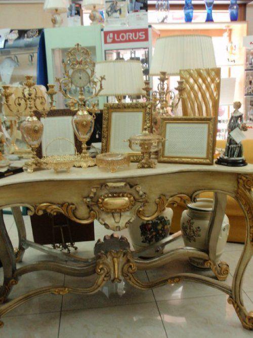 tavolo decorato vintage