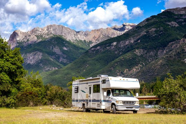 RV Windows – Elk Grove, CA - On the Spot RV and Trailer Repair
