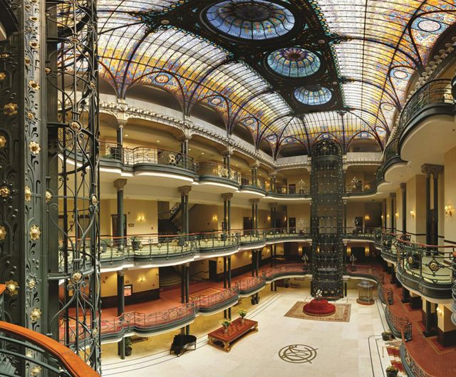 The impressive lobby of Gran Hotel Cuidad de Mexico