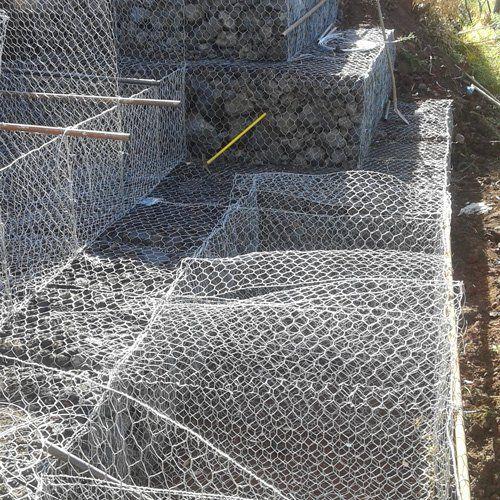 Una rete protettiva per pietre
