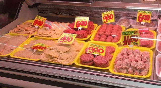 Prodotti alimentari (salumi) presso Centro Carni Cancelliera ad Ariccia