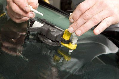 2 Causes of Unexplained Windshield Damage