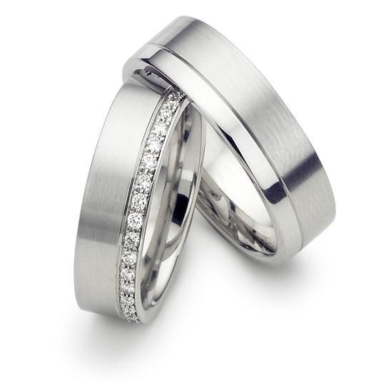 matching wedding bands do you have to match