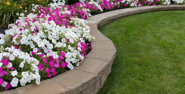 Retaining wall in Lincoln