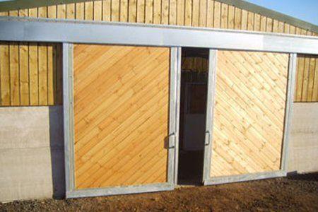 bespoke stable with door