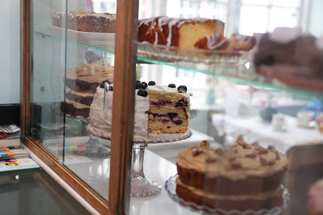 Home baked cakes in Ampthill