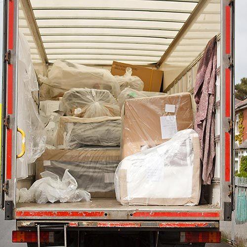 camion con imballaggi