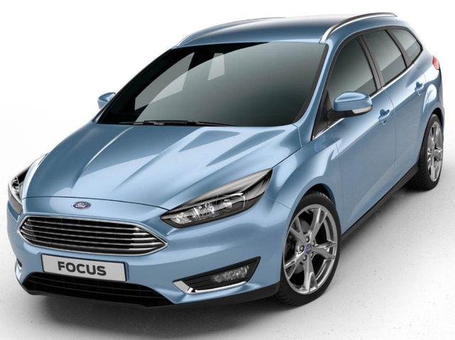 una Ford di color bordeaux