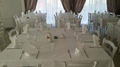 Vista dei tavoli da pranzo al ristorante Il Bistrò a Marmirolo