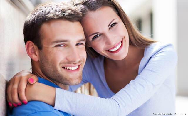 Mehr Sicherheit und Nähe mit glänzend reinen Zähnen und frischem Atem