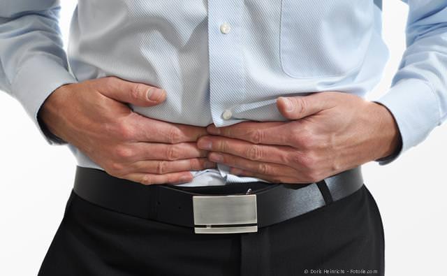Wenn man nicht mehr richtig kauen kann, können Verdauungsprobleme die Folge sein.