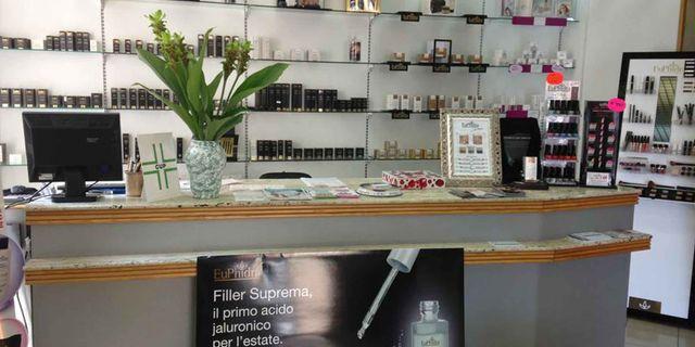 Interno della Farmacia San Francesco Dott.ssa Anna Basilico a Lanciano