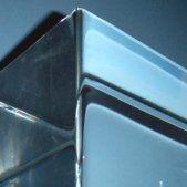 cubo in plastica vista angolare