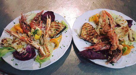 piatti di pesce alla griglia presso La Tavola Cosenza