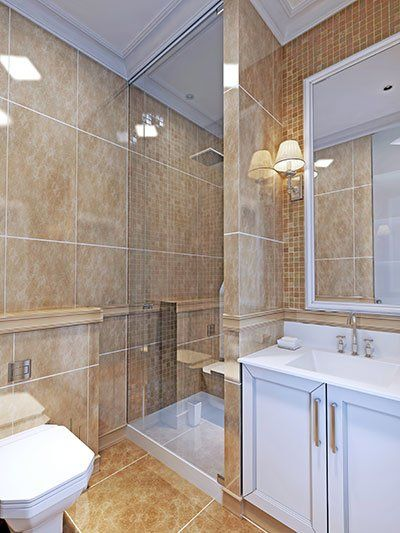 vista di un bagno con i pavimenti di qualità a Parma