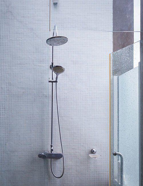 Vista di una cabina doccia a Parma