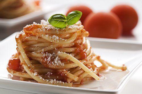 spagetti al pomodoro e basilico