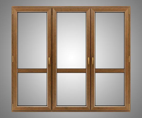 una porta finestra di legno