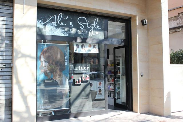 Vista dall'esterno di Ale's Style